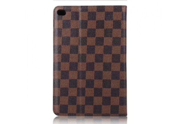 """Фирменный чехол-книжка из кожи с мульти-подставкой и застёжкой для iPad Pro 9.7"""" коричневый в клетку"""